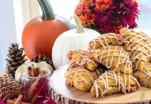 Sense & Edibility's White Chocolate-Pumpkin Scones w/Cinnamon-Maple Glaze