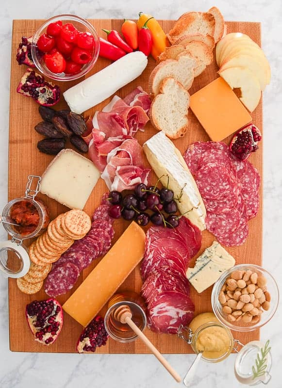 Sense & Edibility's DIY Meat and Cheese Board