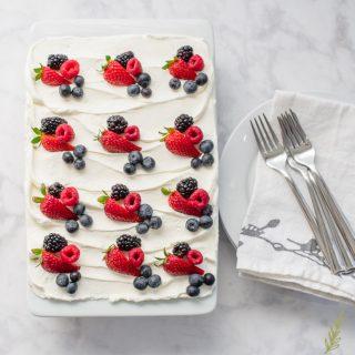 Berry Tiramisu (Berry-Flavored Tiramisu)