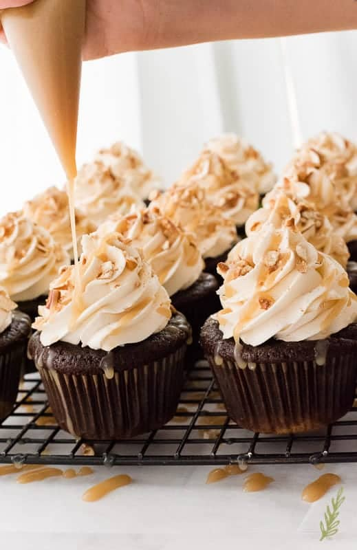 Sense & Edibility's Chocolate Stout-Pretzel Cupcakes with Bailey's Buttercream and Caramel Drizzle
