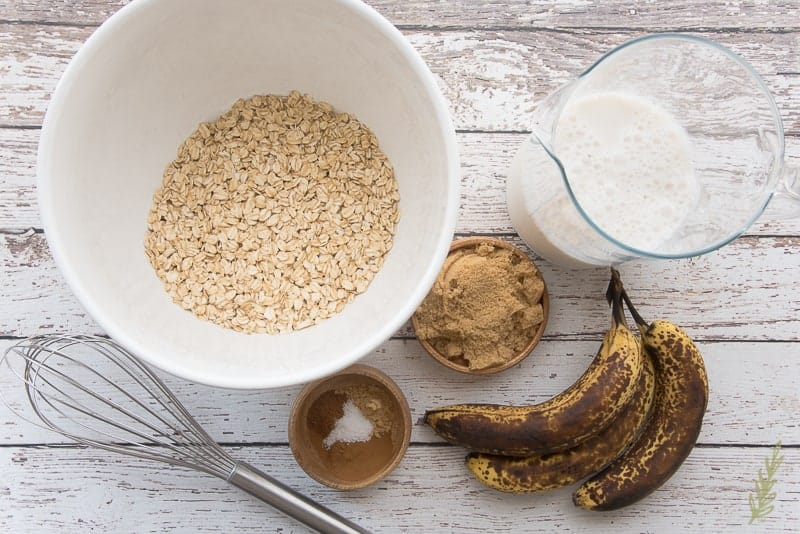 The ingredients for Overnight Banana Chocolate Chunk Oatmeal