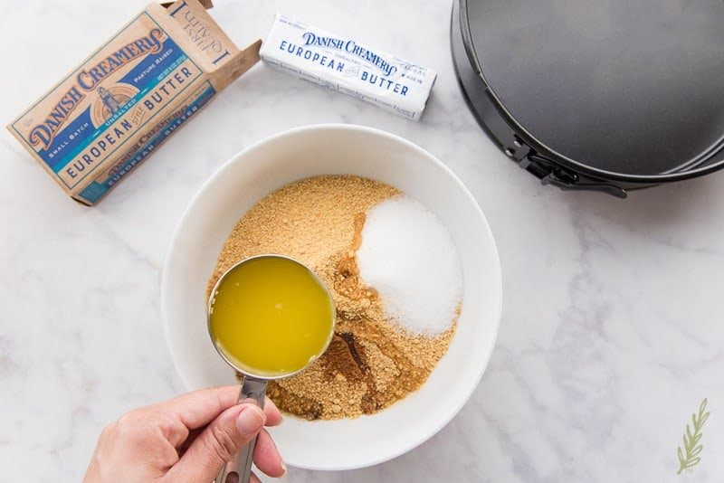 Combine the graham cracker crumbs, sugar, and melted butter