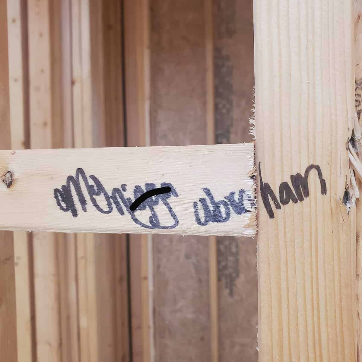 Racial slur on the framing during the building and closing stage